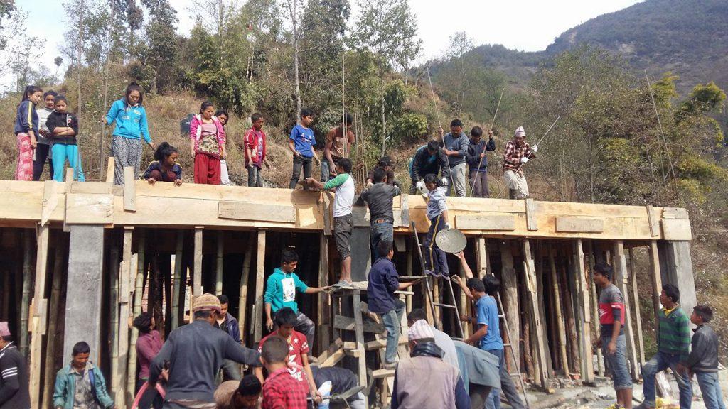 Schulneubau nach Erdbeben in Sindhupalchowk